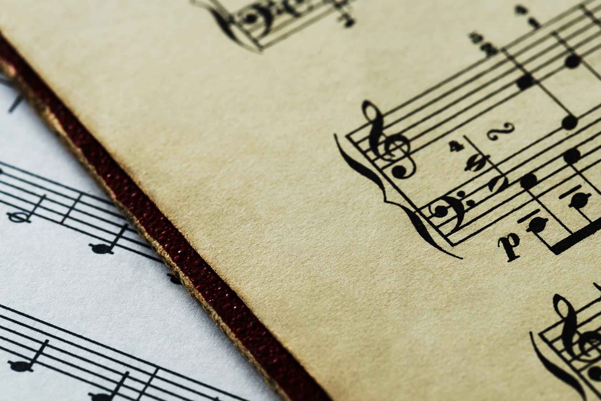 Hino e Canções
