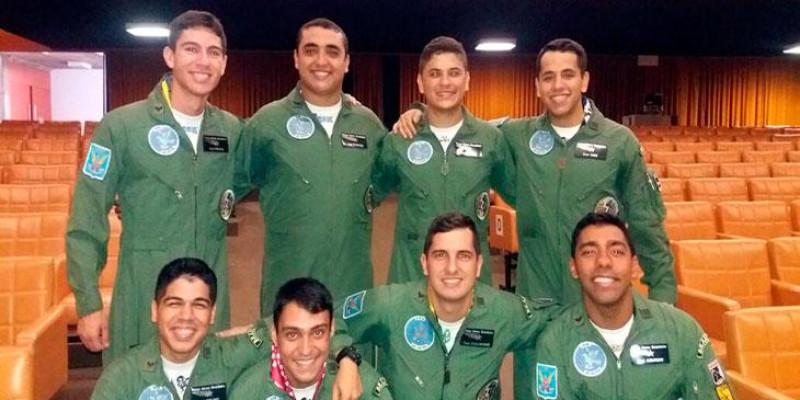 Novos Pilotos de Patrulha Definem Suas Unidades